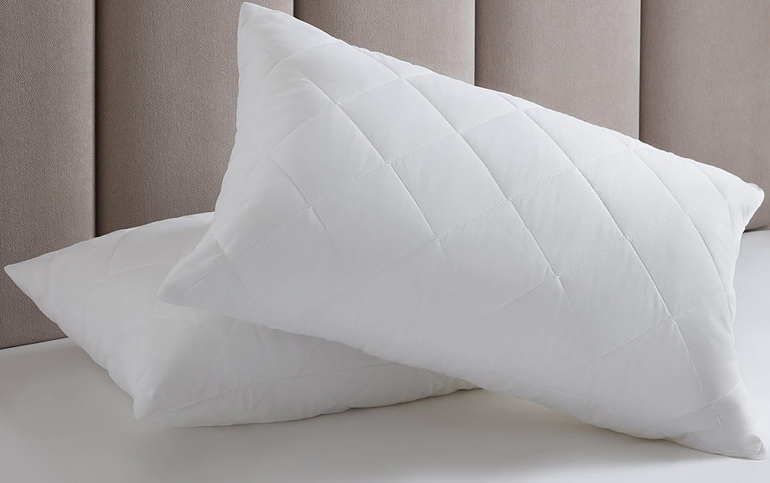 Подушки из лебяжьего пуха в интерьере